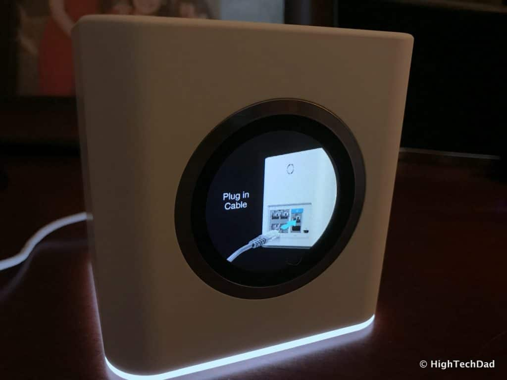 AmpliFi HD Mesh Wifi Router Review - plug in cable