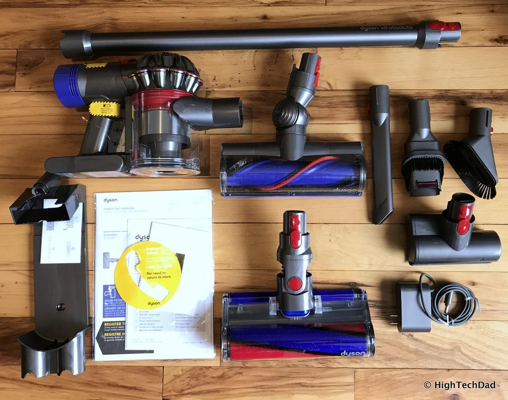 Dyson V8 Absolute - in the box