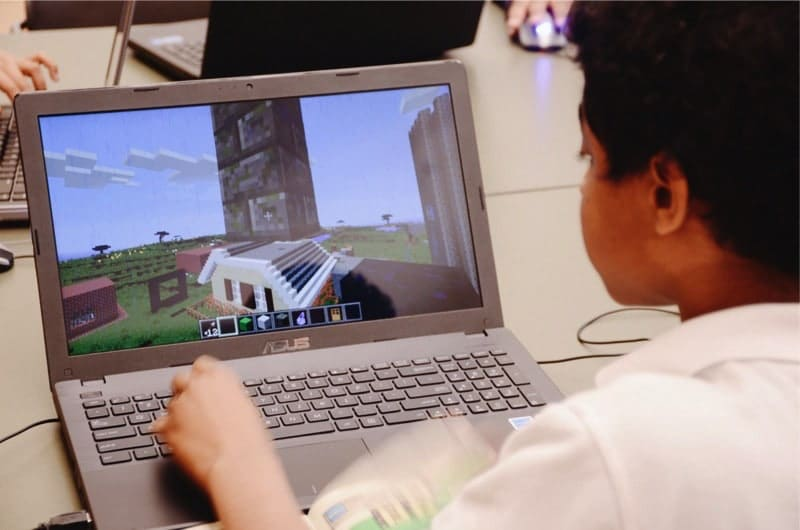 "Connected Camps ""Online Summer of Minecraft"" - craft worlds"