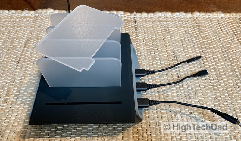 HighTechDad Naztech Power Hub4 power bank review - acrylic removable dividers