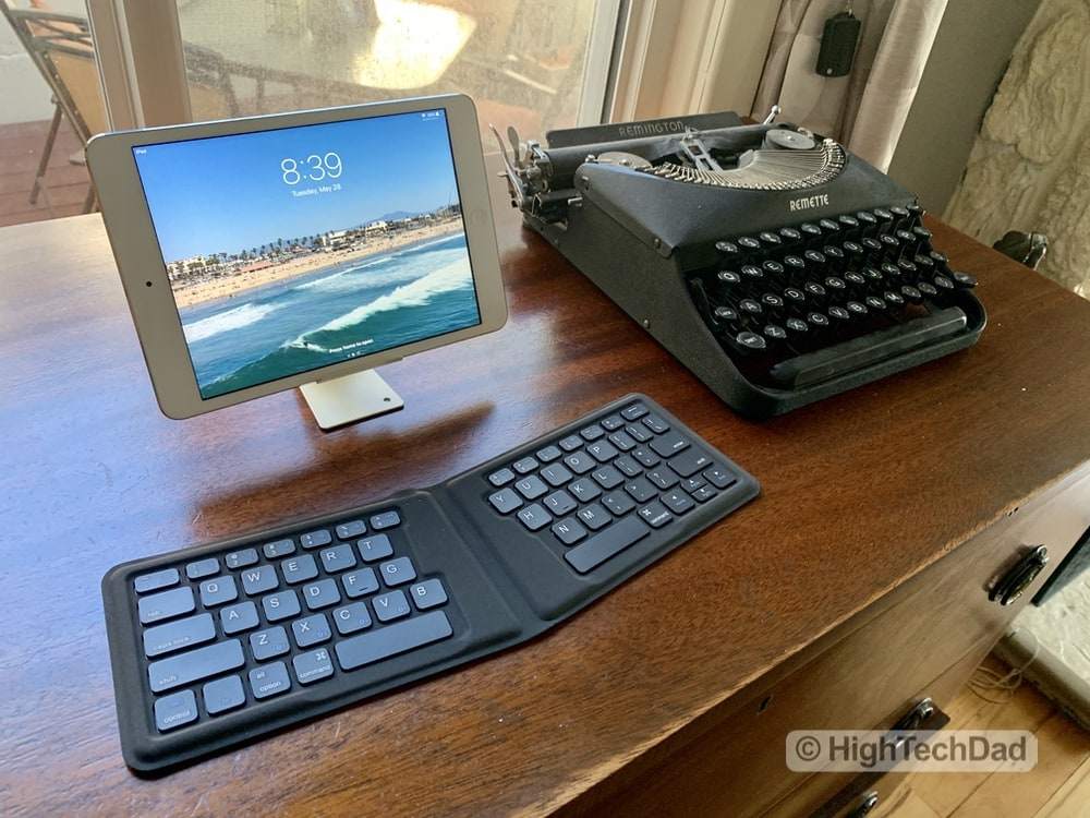 HighTechDad Kanex Foldable Bluetooth Travel Keyboard review - with iPad and typewriter