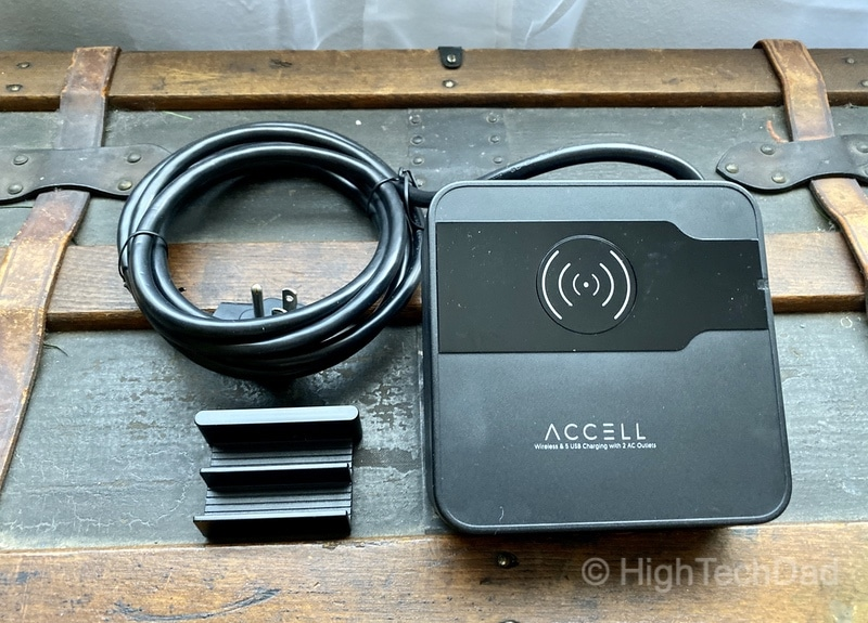 HighTechDad Review of Accell Power Wireless Charging Pad with 5 USB ports and 2 AC plugs