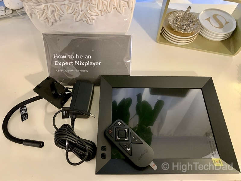 Nixplay Next Generation Smart Frame reviewed by HighTechDad - what's in the box