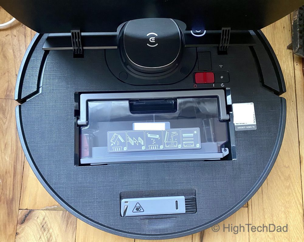 The dust bin under the top lid of the Ecovacs Deebot T5 - HighTechDad review