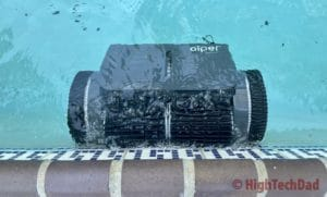 Climbing the wall - Aiper Smart AIPURY1500 pool robot cleaner - HighTechDad review