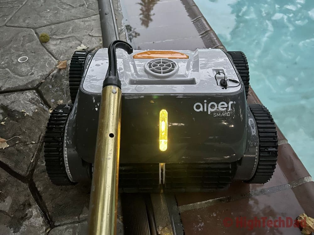 Hook to remove - Aiper Smart AIPURY1500 pool robot cleaner - HighTechDad review