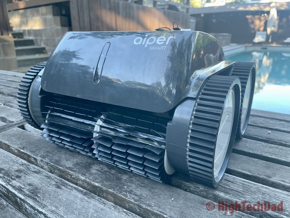 Out of the water - Aiper Smart AIPURY1500 pool robot cleaner - HighTechDad review