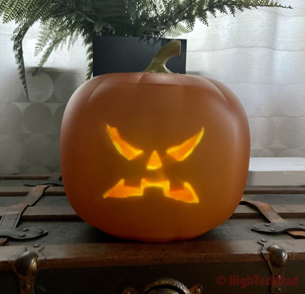 An angry face - Jabberin' Jack singing pumpkin - HighTechDad review